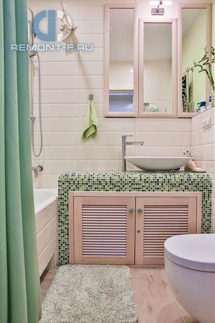 Ванная комната в стиле прованс. Реальная фотография интерьера