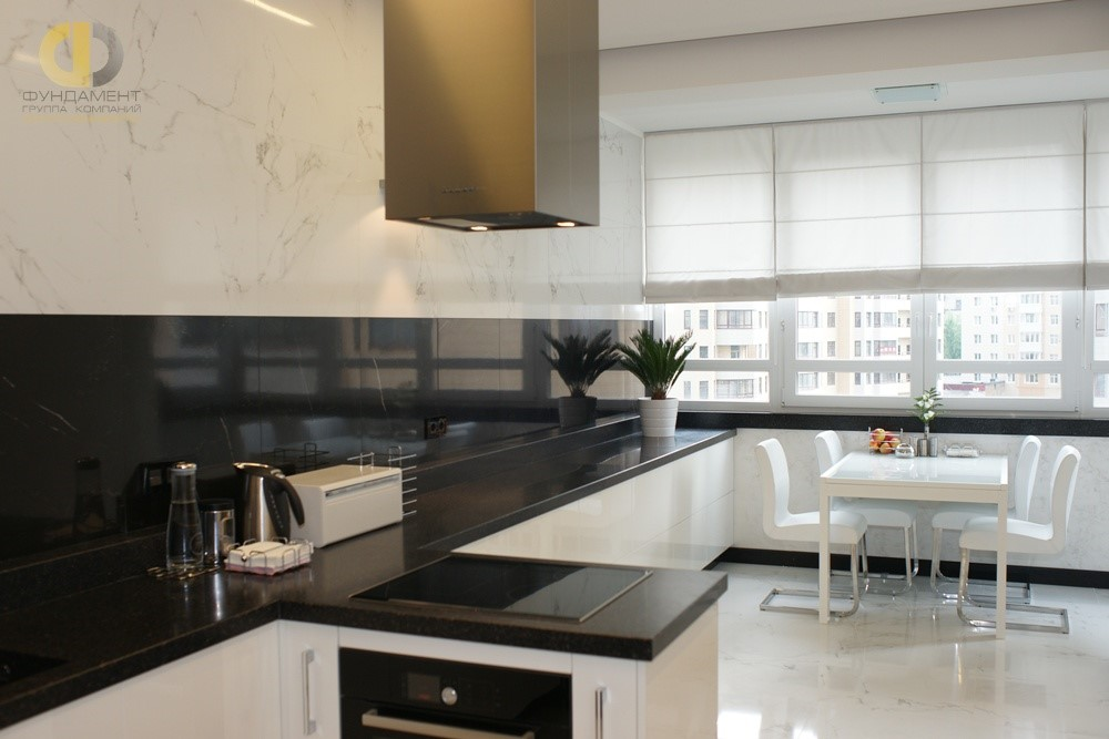 Современная кухня с мраморными фактурами в отделке