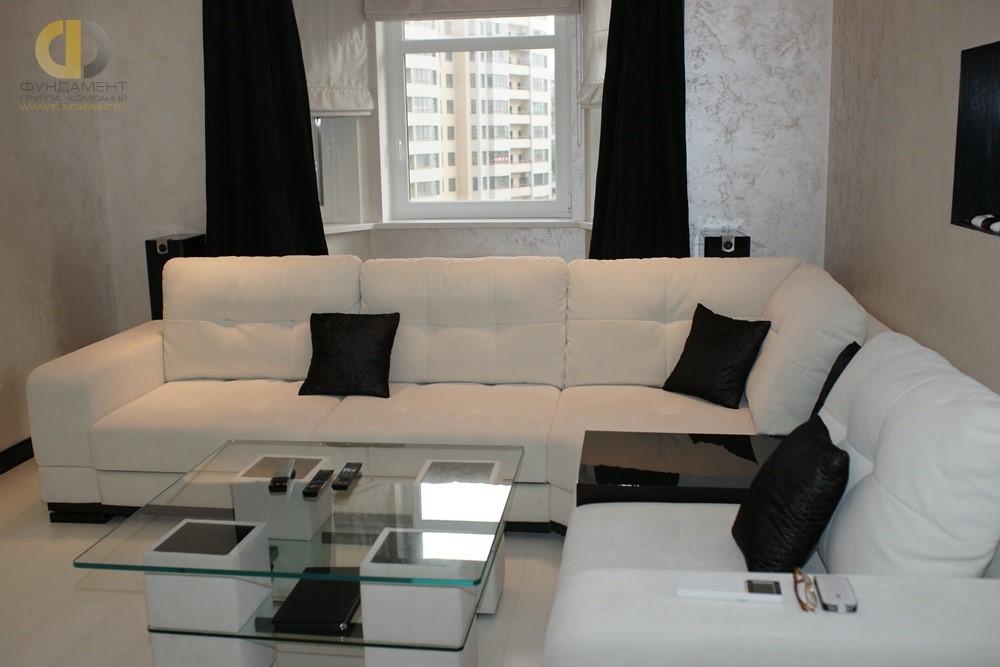 Гостиная в стиле минимализм в трехкомнатной квартире