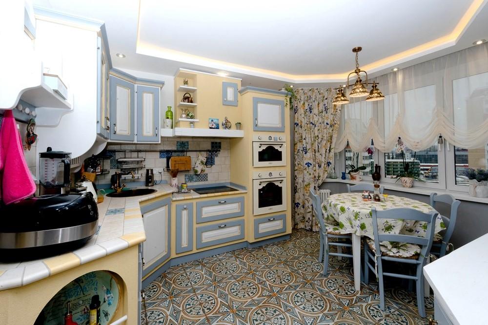 Дизайн плитки на кухне в стиле мозаики