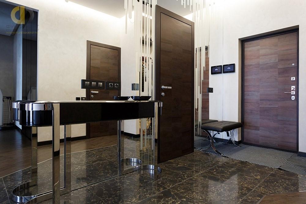 Дизайн интерьера прихожей с дверями цвета венге