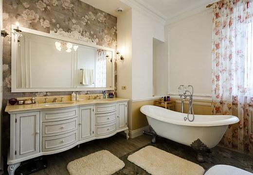 Ванная в стиле классицизм, фото интерьера