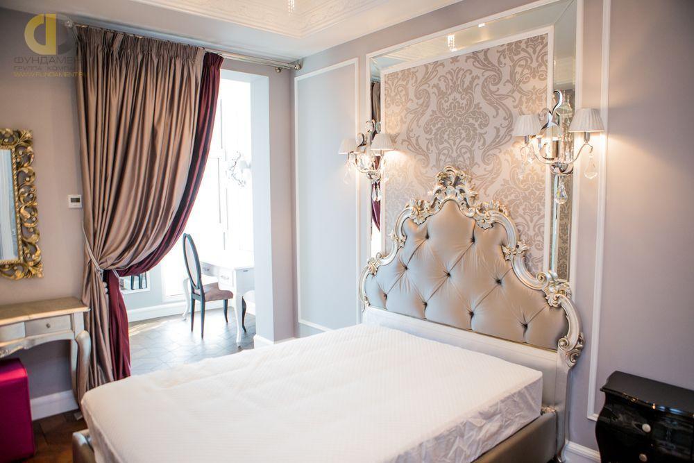 На фото: Интерьер спальни в квартире в стиле ар-деко